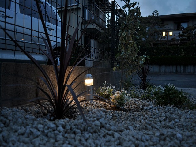 心地よいライティング ㈱坂井ガーデンプランニング 浜松市Ⅰ様邸 Spectacular garden lighting by lighting professionals. Enjoy a dramatic, romantic, even mysterious scene comparing to a day time.