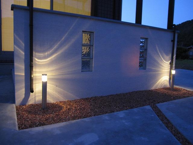 ジュエルグラスの輝き 株式会社トレド 長野県 山口様邸 Spectacular garden lighting by lighting professionals. Enjoy a dramatic, romantic, even mysterious scene comparing to a day time.