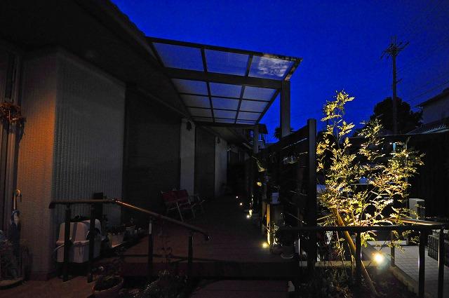 家族で楽しめるプライベート空間 株式会社樽井造園 大阪府T様邸 Spectacular garden lighting by lighting professionals. Enjoy a dramatic, romantic, even mysterious scene comparing to a day time.