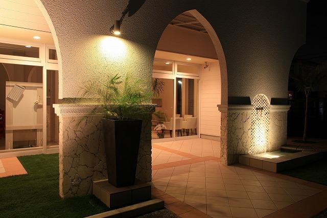 美容室のライトアップ 有限会社サンガーデン 愛知県 美容室 Spectacular garden lighting by lighting professionals. Enjoy a dramatic, romantic, even mysterious scene comparing to a day time.