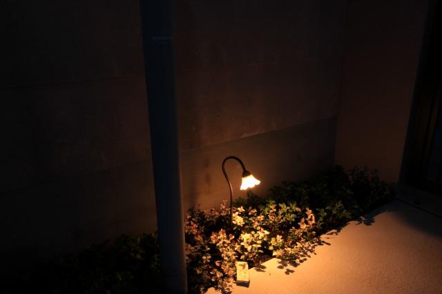 光を楽しむ壁面 株式会社あしだ 京都府O様邸 Spectacular garden lighting by lighting professionals. Enjoy a dramatic, romantic, even mysterious scene comparing to a day time.