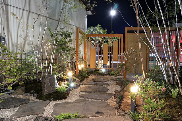 『斜の庭』 株式会社みちのく庭園 鮨 ほそ畑様 Spectacular garden lighting by lighting professionals. Enjoy a dramatic, romantic, even mysterious scene comparing to a day time.