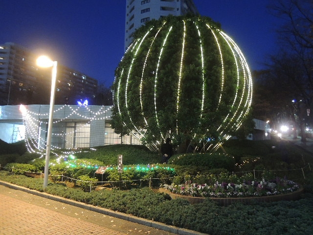 街角イルミネーション 有限会社木下庭園管理 東戸塚マンション街 Spectacular garden lighting by lighting professionals. Enjoy a dramatic, romantic, even mysterious scene comparing to a day time.