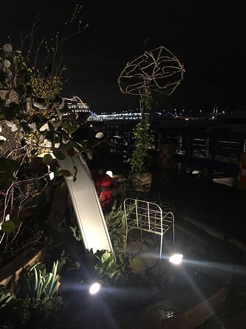 未来への懸け橋~Bridge for future~ 株式会社LAND-H.A.G 神奈川県 全国都市緑化よこはまフェア Spectacular garden lighting by lighting professionals. Enjoy a dramatic, romantic, even mysterious scene comparing to a day time.
