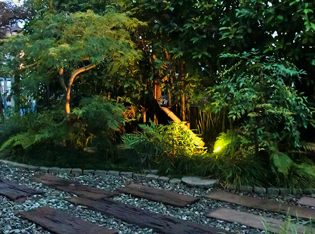 和み I-max garden 東京都N様邸 Spectacular garden lighting by lighting professionals. Enjoy a dramatic, romantic, even mysterious scene comparing to a day time.