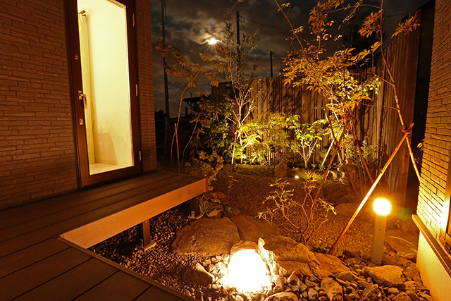 『夜を魅せる和の空間』 株式会社みちのく庭園 青森県T様邸 Spectacular garden lighting by lighting professionals. Enjoy a dramatic, romantic, even mysterious scene comparing to a day time.