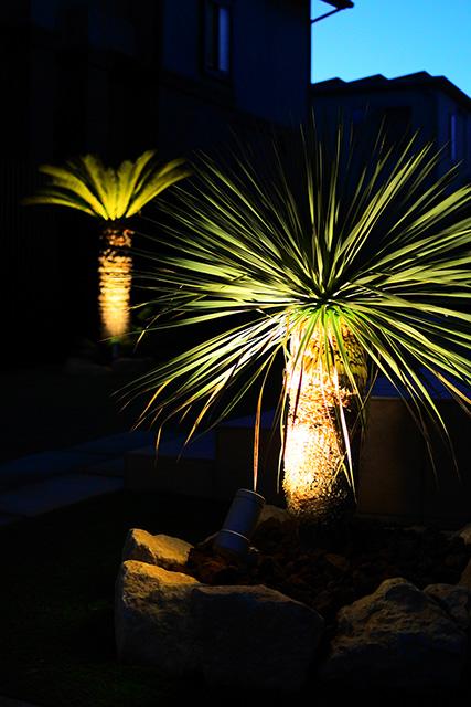 リゾートライティング ㈱ASUKA 群馬県K様邸 Spectacular garden lighting by lighting professionals. Enjoy a dramatic, romantic, even mysterious scene comparing to a day time.