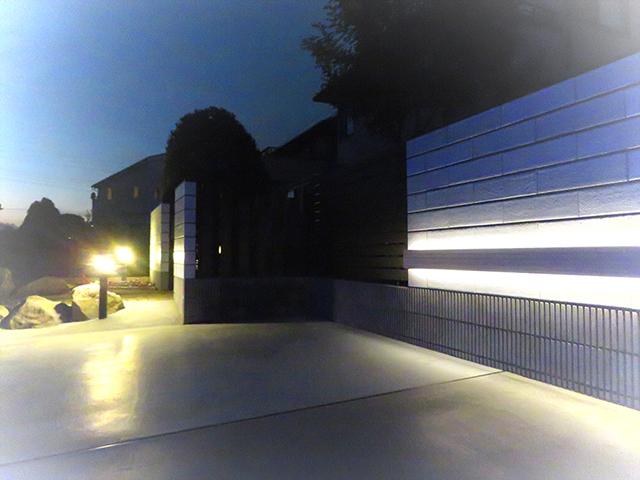 エクステリア改革 有限会社太田ブロック工業所 群馬県S様邸 Spectacular garden lighting by lighting professionals. Enjoy a dramatic, romantic, even mysterious scene comparing to a day time.