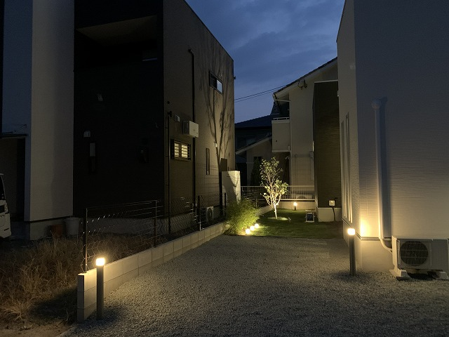 シャドーライティング 實﨑ウィード・プリベント 福岡県 モデルハウス Spectacular garden lighting by lighting professionals. Enjoy a dramatic, romantic, even mysterious scene comparing to a day time.