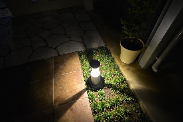白を基調とした エレガントスタイル 有限会社フィールド 群馬県S様邸 Spectacular garden lighting by lighting professionals. Enjoy a dramatic, romantic, even mysterious scene comparing to a day time.