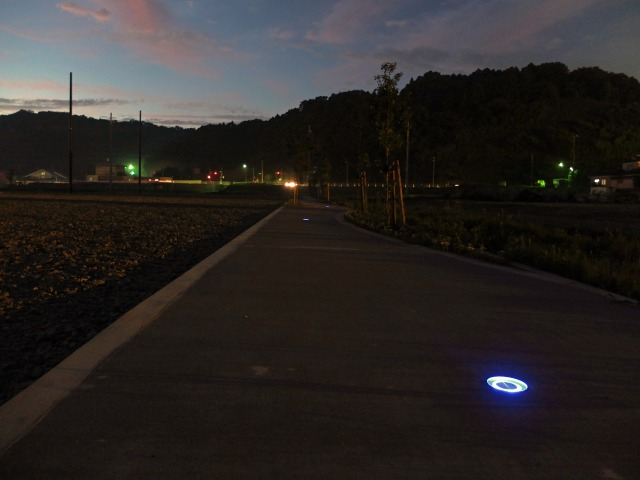 街を見守る灯り 株式会社グリーンプロジェクト 石川県 コミュニティー道路 Spectacular garden lighting by lighting professionals. Enjoy a dramatic, romantic, even mysterious scene comparing to a day time.