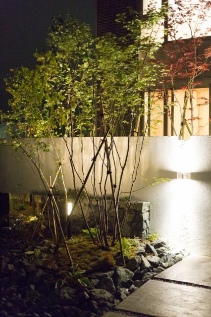 四季の庭 株式会社みちのく庭園 青森県I様邸 Spectacular garden lighting by lighting professionals. Enjoy a dramatic, romantic, even mysterious scene comparing to a day time.