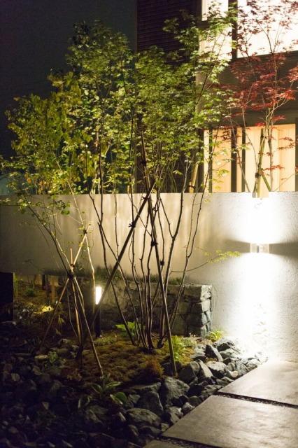 四季の庭 株式会社みちのく庭園 青森県I様邸 Spectacular garden lighting by lighting professionals. Enjoy a dramatic, romantic, even mysterious scene comparing to a day time.