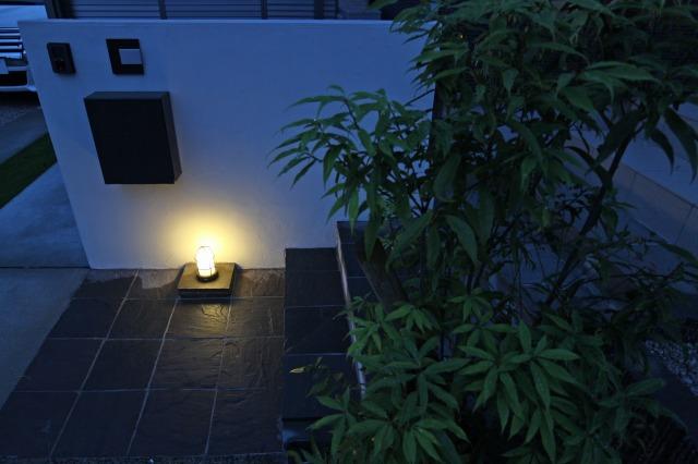 夜の帳に照明を 株式会社太陽ハウジング 福岡県A様邸 Spectacular garden lighting by lighting professionals. Enjoy a dramatic, romantic, even mysterious scene comparing to a day time.