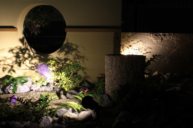 Homage to Genko-an 株式会社双美 埼玉県S様邸 Spectacular garden lighting by lighting professionals. Enjoy a dramatic, romantic, even mysterious scene comparing to a day time.