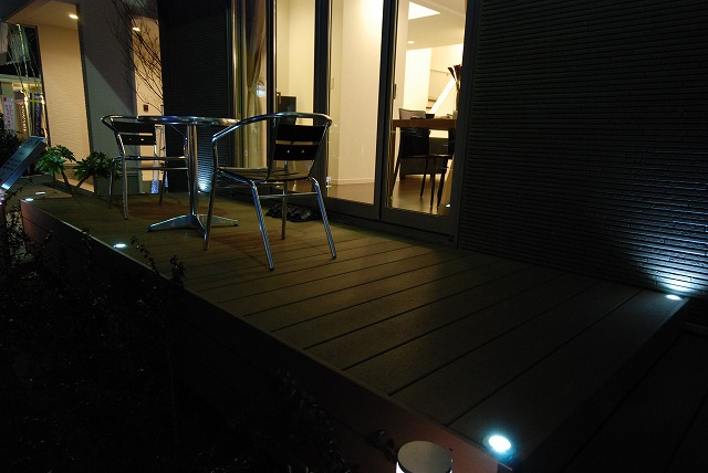 リアルな展示場を目指して 株式会社トップテクノ さいたま新都心住宅展示場 Spectacular garden lighting by lighting professionals. Enjoy a dramatic, romantic, even mysterious scene comparing to a day time.